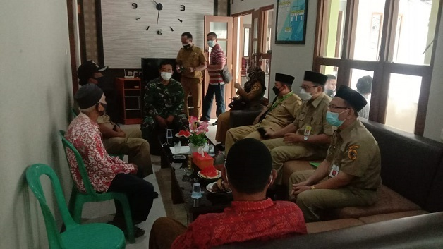 Kepala Kemenag Pati bersama pengurus UPZ dan Humas mendatangi lokasi TMMD ke-111 Kodim 0718/Pati.