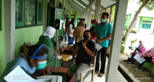 Vaksinasi Tahap 2 di MAN 1 Rembang
