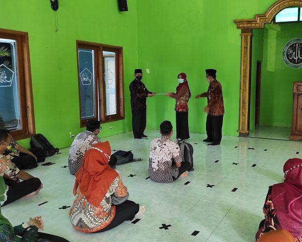 Boyolali Distribusikan 34 SK Redistribusi Bagi Guru
