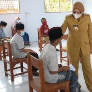 Vaksinasi Covid-19 Bagi Pelajar dan Santri di Kabupaten Pekalongan