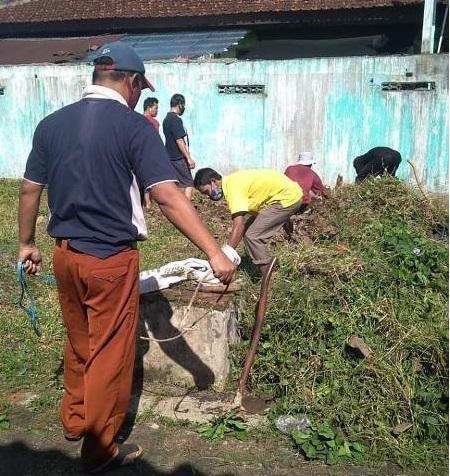 KKMI Kecamatan Purwanegara Bersih Lingkungan Kantor PENDAIS