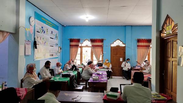 Monev Pengelolaan Keuangan Madrasah di MIN 1 Semarang