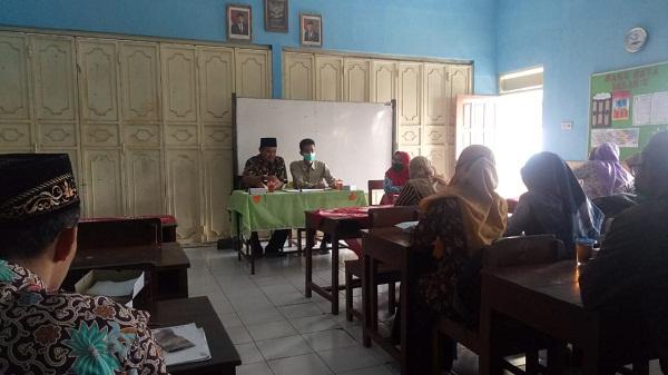 Ahmad Zabidi Dalam Kegiatan KKG SD Kecamatan Sumowono