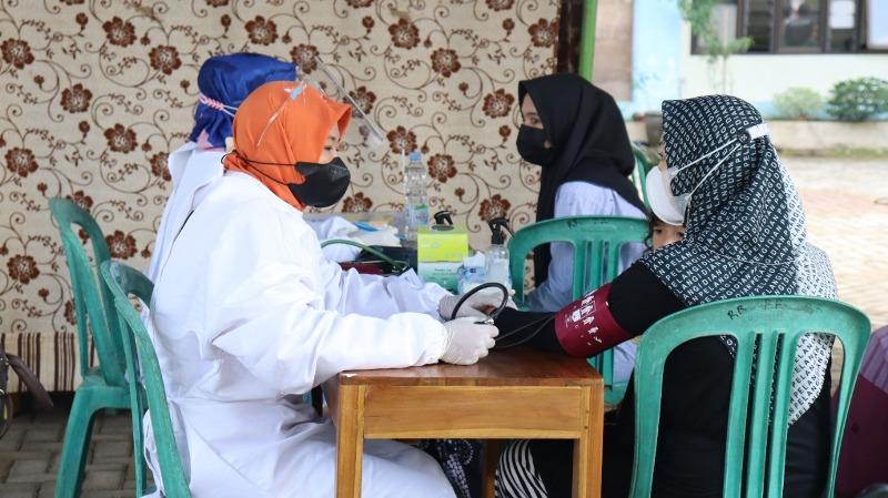Ratusan Santri di Kajen Pati Ikuti Vaksinasi
