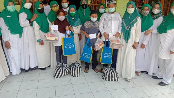 Santunan 10 Muharram MIN 1 Semarang