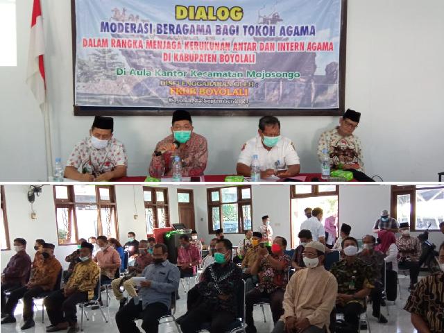 Ka Kankemenag memberikan materi dalam acara Dialog Penguatan Moderasi Beragama Bagi Tokoh Tokoh Agama
