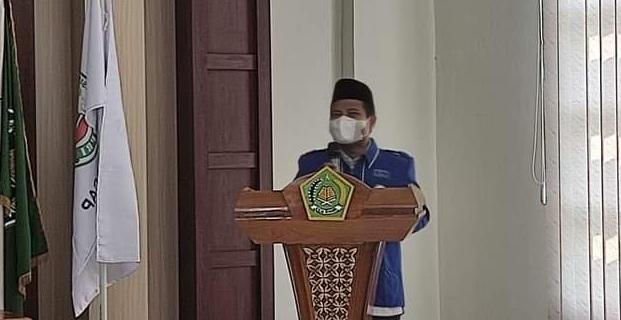 Kepala Kankemenag Kab. Cilacap memberikan sambutan pada pengukuhan PC APRI Kabupaten Cilacap