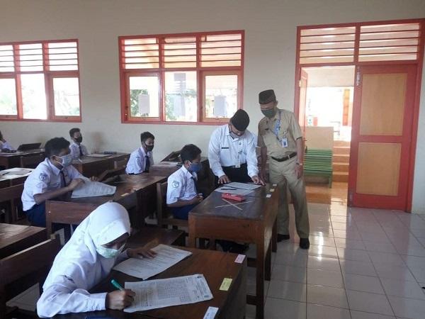 Pelaksanaan PembelajaranTatap Muka di SMPN 1 Jambu